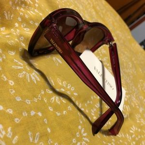Valentino Accessories - •NEW Valentino Cyclamen Sunglasses•